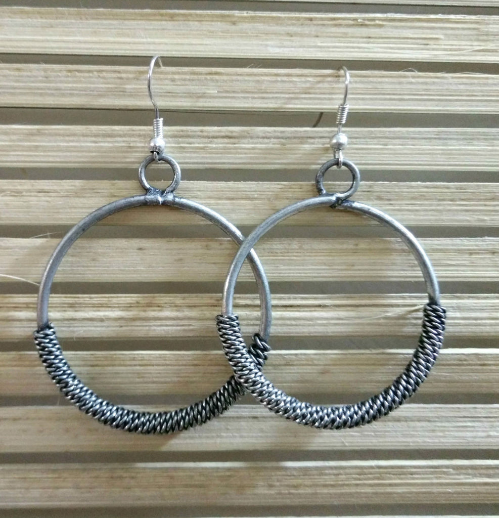 Traditional Metal Earrings Round