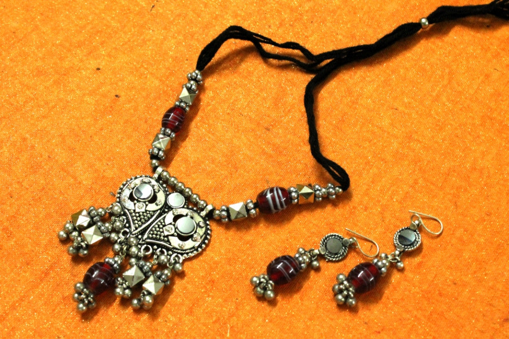 Traditional Necklace with Earrings