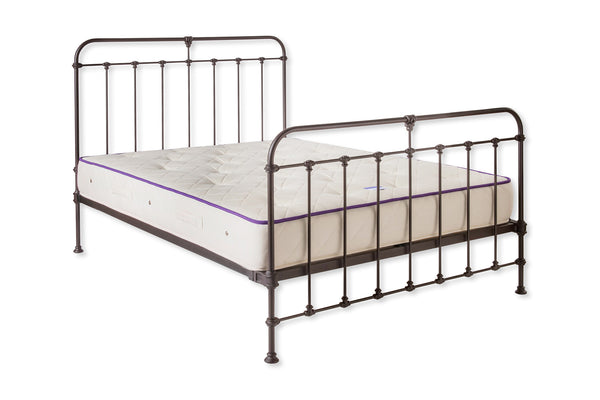 Reproduction Victorian Metal Bed With Traditional Fixings The