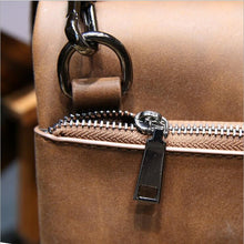 Load image into Gallery viewer, Dakota Leather Deluxe Messenger Bag