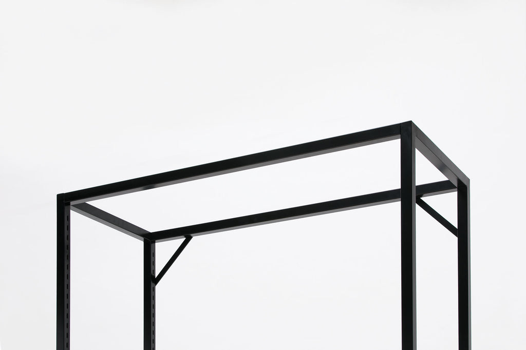 Lateral 4 shelf rack frame close up