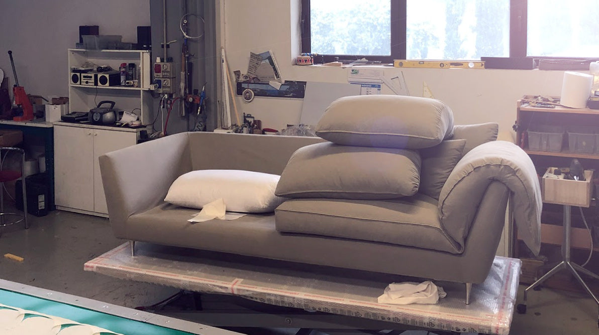 Ecofriendly sofa Casquet: sustainable materials and building methods