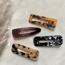 Load image into Gallery viewer, Resin Crocodile Hairclips