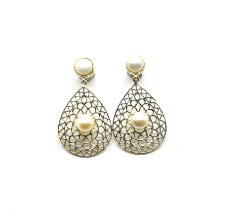 ON SALE  Pearl filigree earring