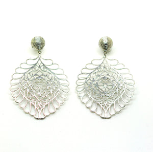 ON SALE Large filigree earring