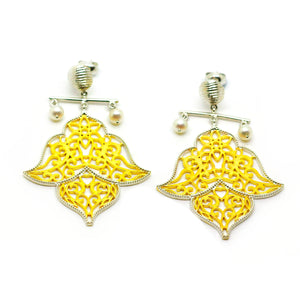 SOLD - ON SALE Pearl Filigree earring 2
