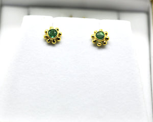 For little ears - Emerald earring