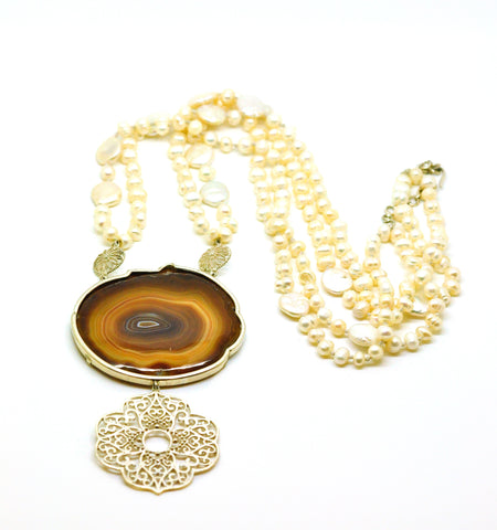 ON SALE Agate necklace with pearls and filigree
