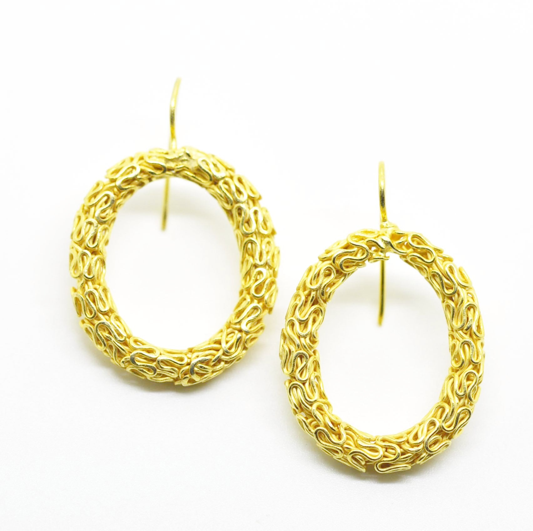 ON SALE Wire work earring oval