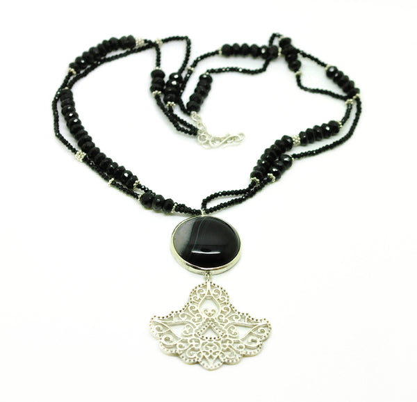 ON SALE Gemstone and Filigree necklace - Black onyx