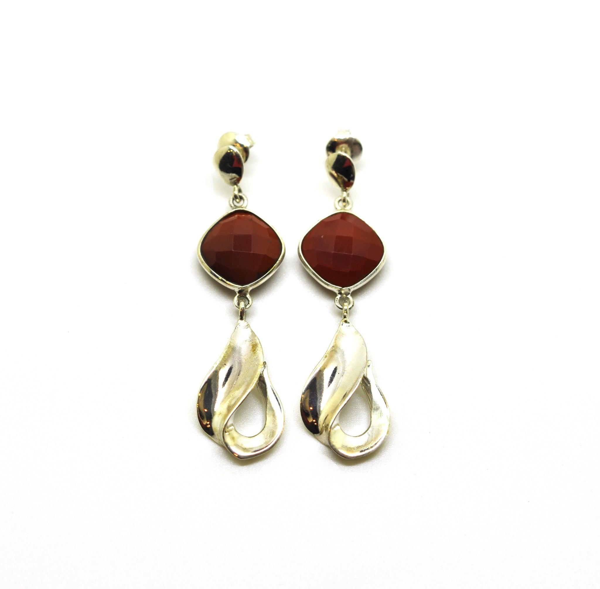 ON SALE Silver drop earring