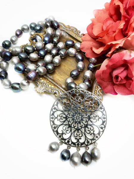 NEW - Grey Pearls Filigree necklace