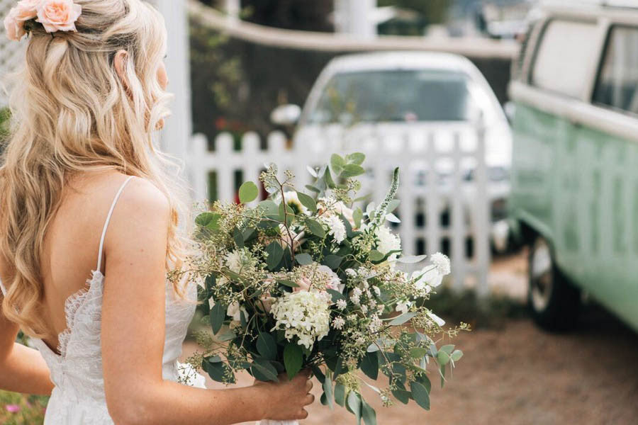 Wilde Thyme Wedding flowers styling destination wedding florist  bride bouquet blush and ivory roses