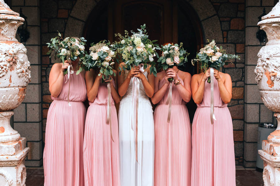 Wilde Thyme wedding flowers destination wedding florist bridesmaids and bride Matt Porteous photography