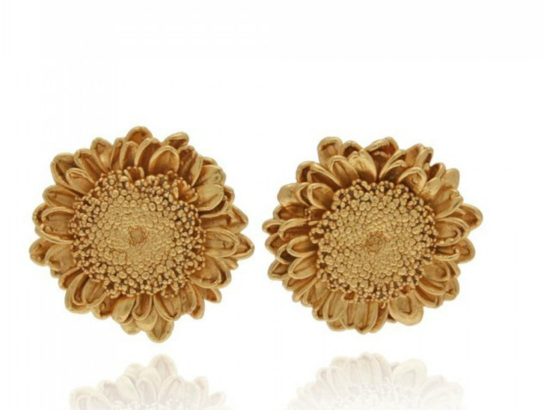 GARCELLE (2): GOLD SUNFLOWER STUD EARRINGS