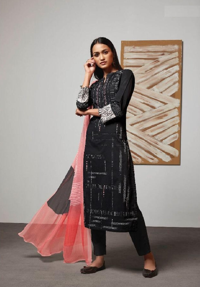 Digital Printed Cotton Un-Stitch Suit With Embroidered Sleeves - S00218