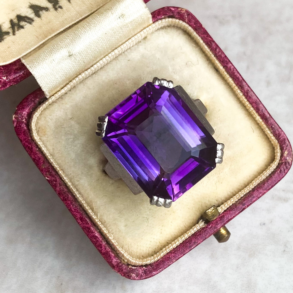 French Art Deco 11ct Amethyst Ring