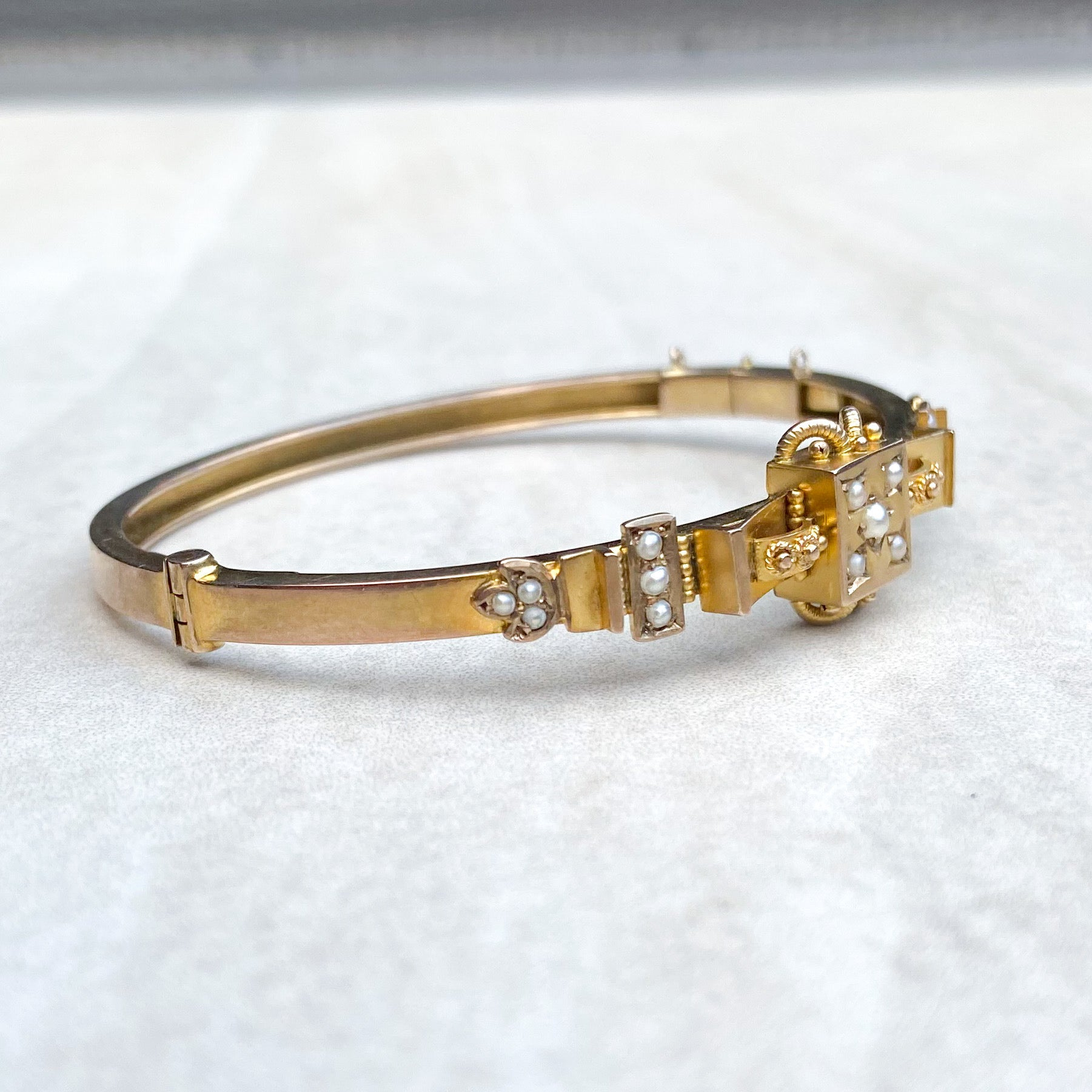9ct Gold and Pearl Bangle