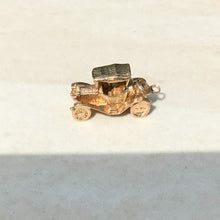 Load image into Gallery viewer, Vintage 9ct Gold Car Charm
