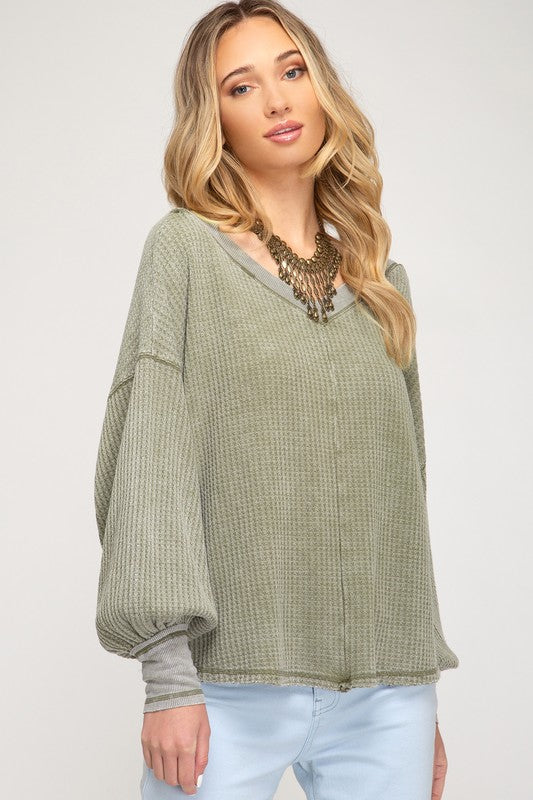BUBBLE SLEEVE WASHED WAFFLE KNIT TOP