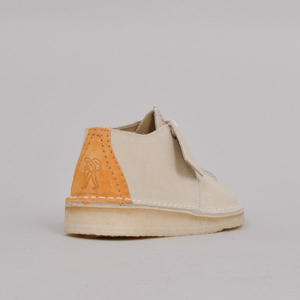 Clarks Originals Ladies Desert Trek - Off White Suede