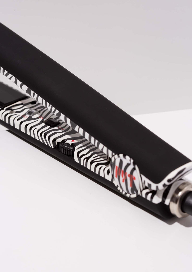 In and Out Tourmaline Styling Tool<p>White Zebra