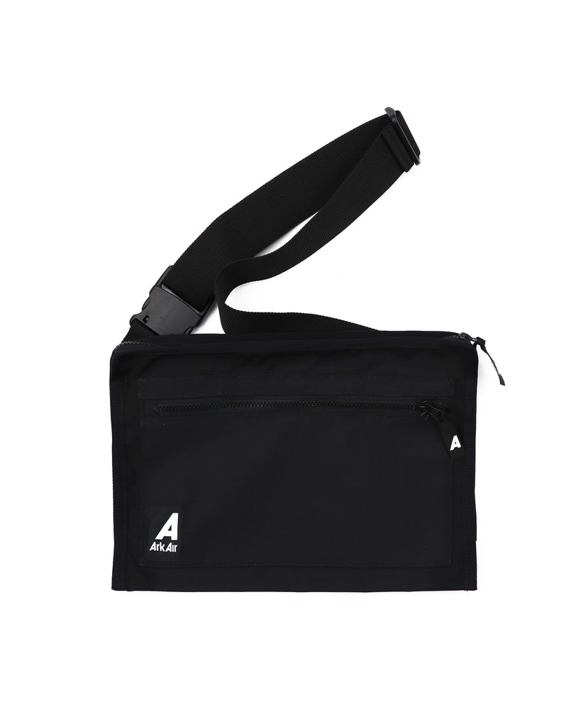 M671AA - Messenger Bag - Black