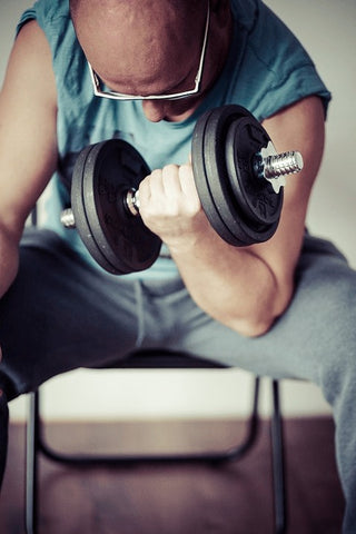 Curls with dumbbells - Haryzona