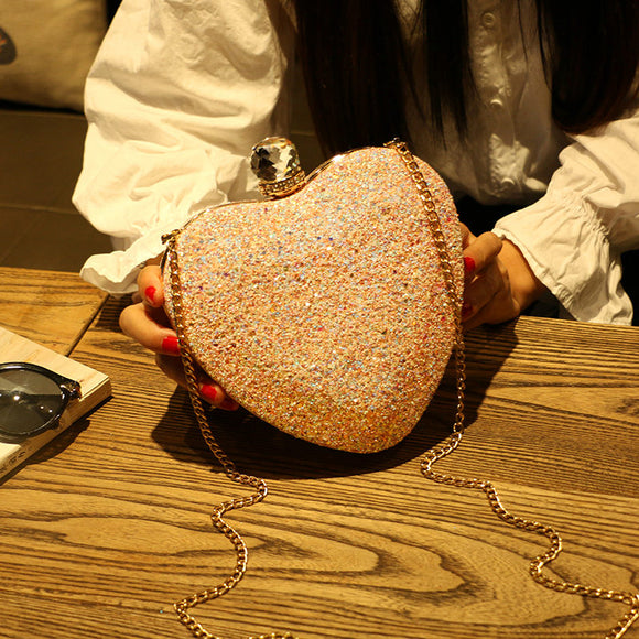 Fashionable heart-shaped diamond evening bag