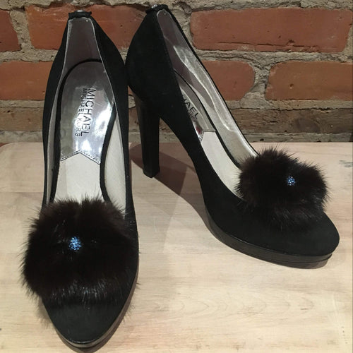 Mink Shoe Fur, Pair of Flower Shoe Poms, Black Mink Pom Shoe Clips, Shoe Jewelry, Recycled Vintage Fur Mink Fur Shoe Adornments, Loop Attach