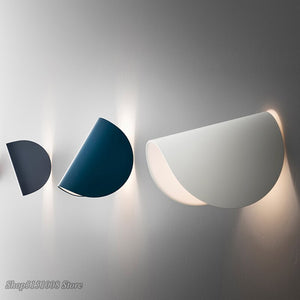 Modern LED Wall Lamp Nordic Rotating Wall Light Creative Personality Bedroom Bedside Living Room Decor Art Wall Sconce Fixtures