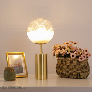Nordic Table Lamps Warm Bedroom Bedside Desk Lamps Postmodern Light Luxury Creative Glass Ball Desk Light Decoration Fixtures