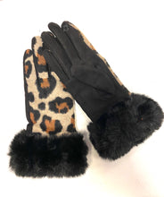 Load image into Gallery viewer, Cheetah Gloves w/ fur