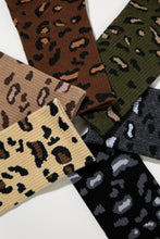 Load image into Gallery viewer, Animal Print Crew Socks