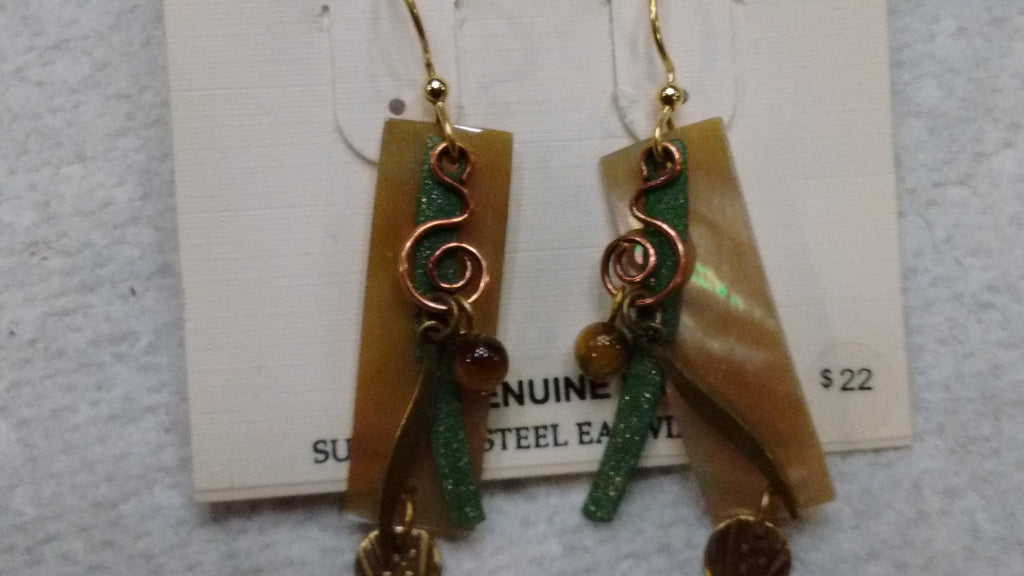 Silver Forest Hand Crafted Earrings Made in USA - Genuine Shell E9584