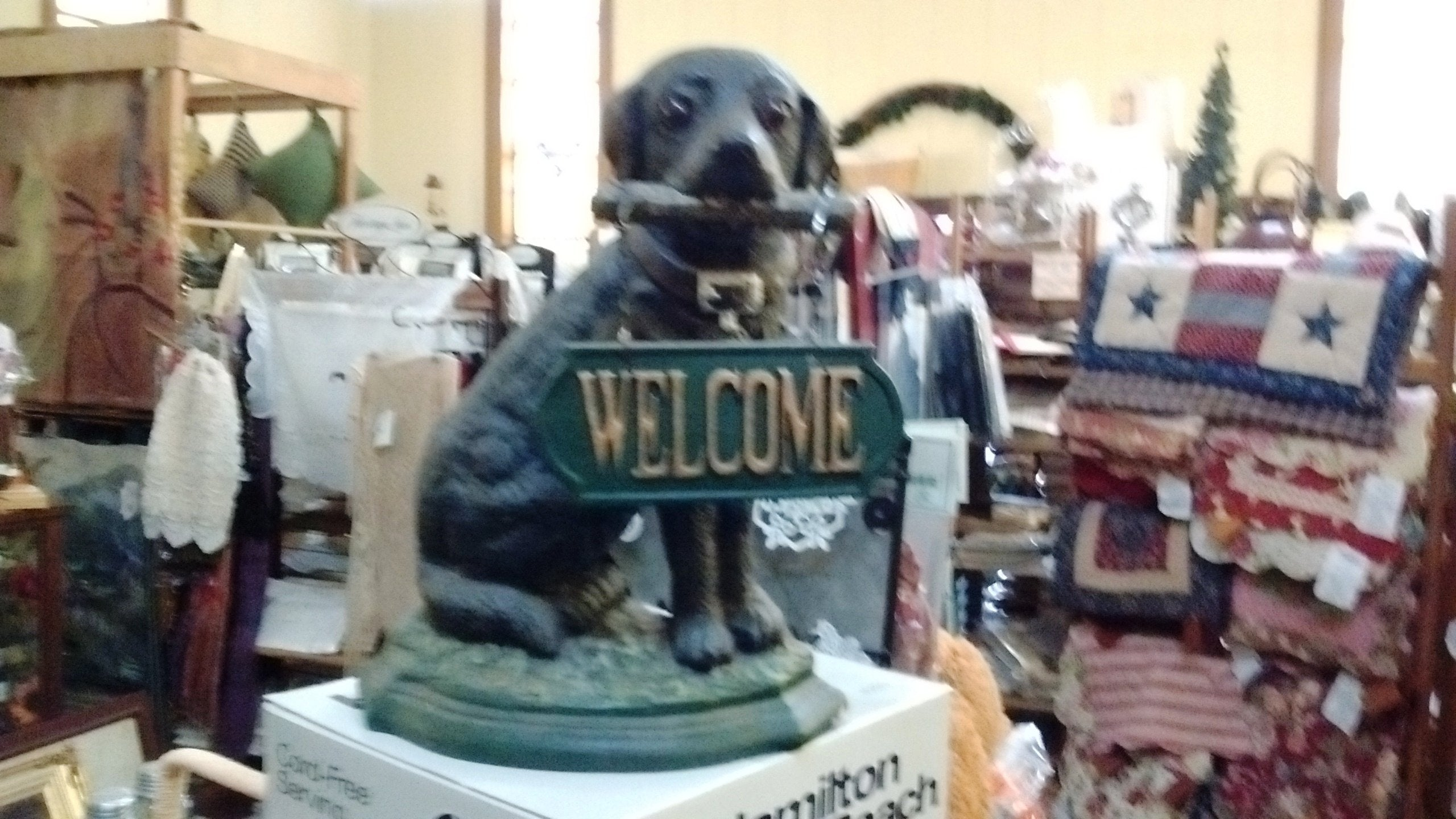 Cast Iron Door Stop Labrador Dog With Welcome Sign Large
