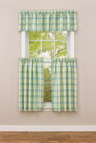 Park Designs Garden Gate Plaid Valance 72  x 14 Inches Farmhouse Country