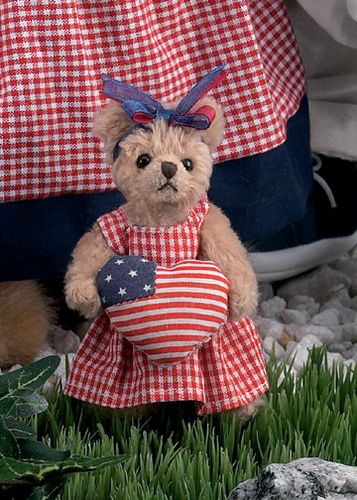 Bearington - Ima Patriot Miniature Plush Patriotic Bear 4.5 Inches and Retired - Olde Church Emporium