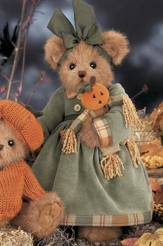 Bearington -  Halloween Pumpkin and Patch Bear - 14 Inches and Retired - Olde Church Emporium