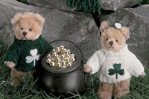 Bearington -Shamrock Miniature Bears 2 Styles White or Green Sweater 4.5 Inches and Retired - Olde Church Emporium