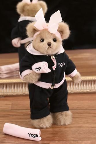Bearington Zoe Zen Bear W Yoga Mat Sweatsuit Hoodie Black & Pink Stuffed Plush Collectible Retired