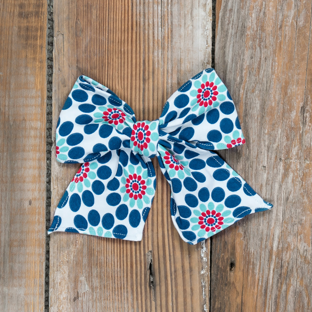 Playground Surprise Sonni Pinwheel Bow