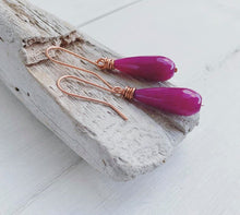 Load image into Gallery viewer, Handmade Copper + Fuchsia Quartz Teardrop Earrings