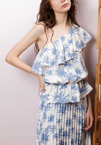Off-shoulder clothing from Clemence at rue Madame HK