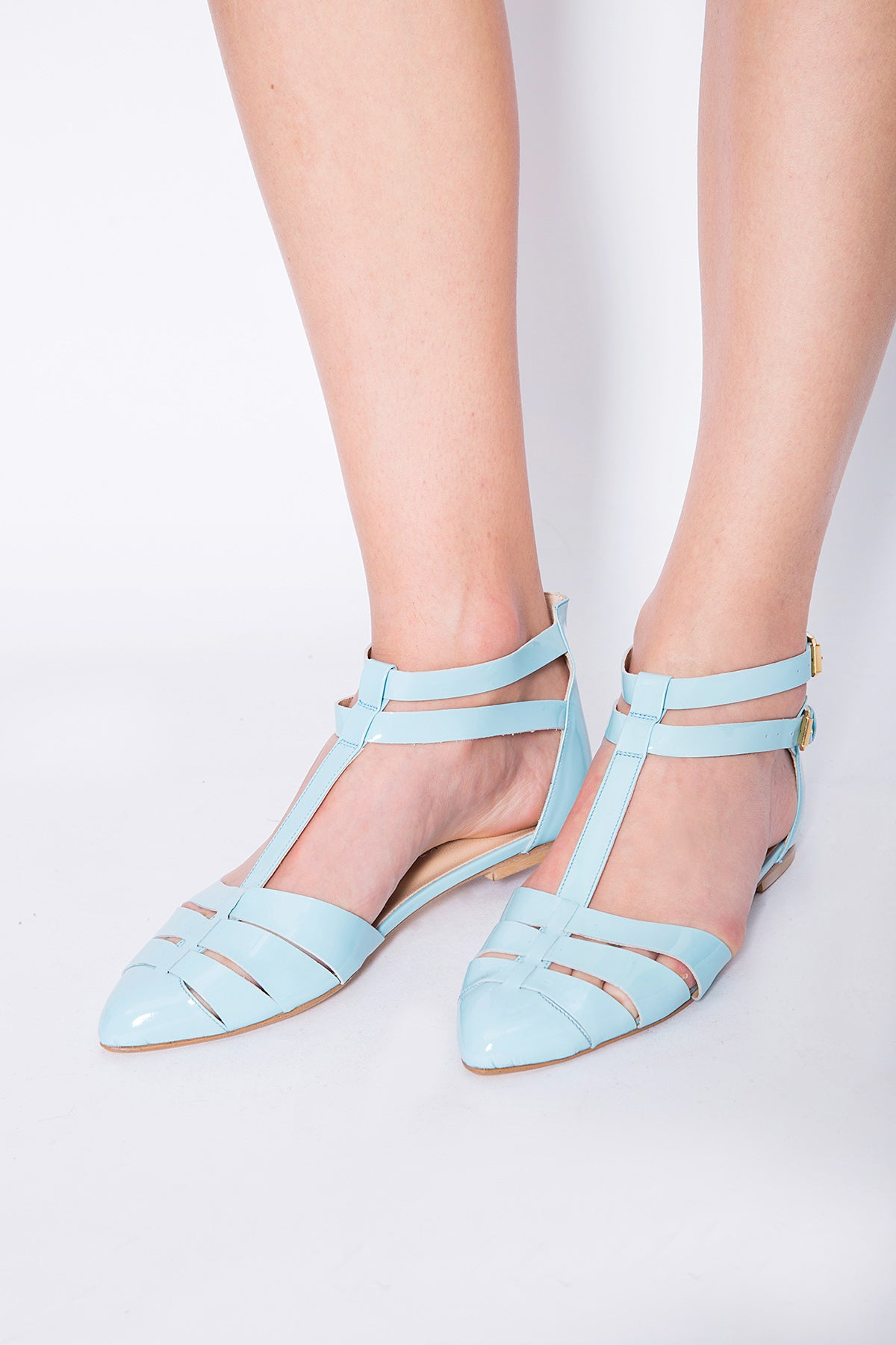 Leather fishbone-patterned sandals