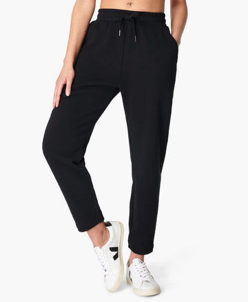 Essentials Taper Trouser Black