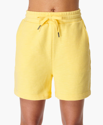 Essentials Short Riviera-Yellow