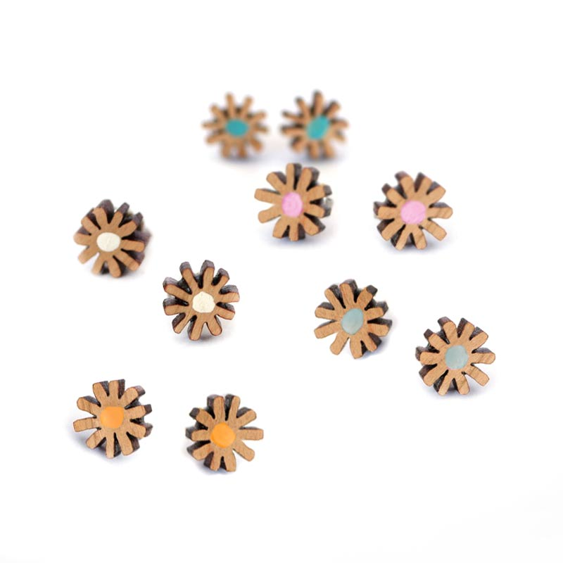 Orange Star Daisy Stud