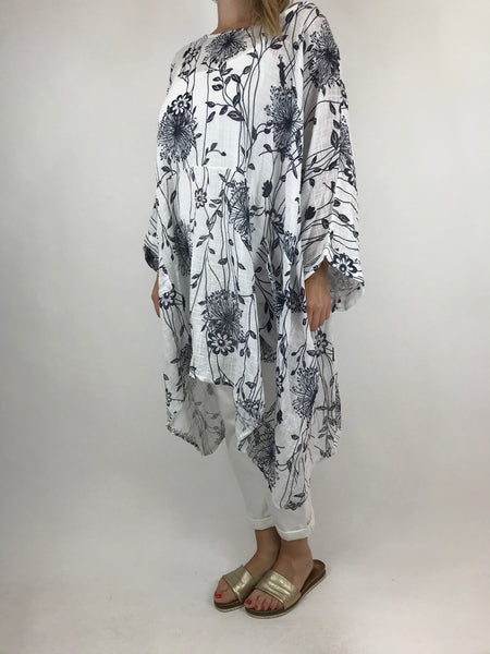 Lagenlook Rachel Flower Poncho In White. code 5677