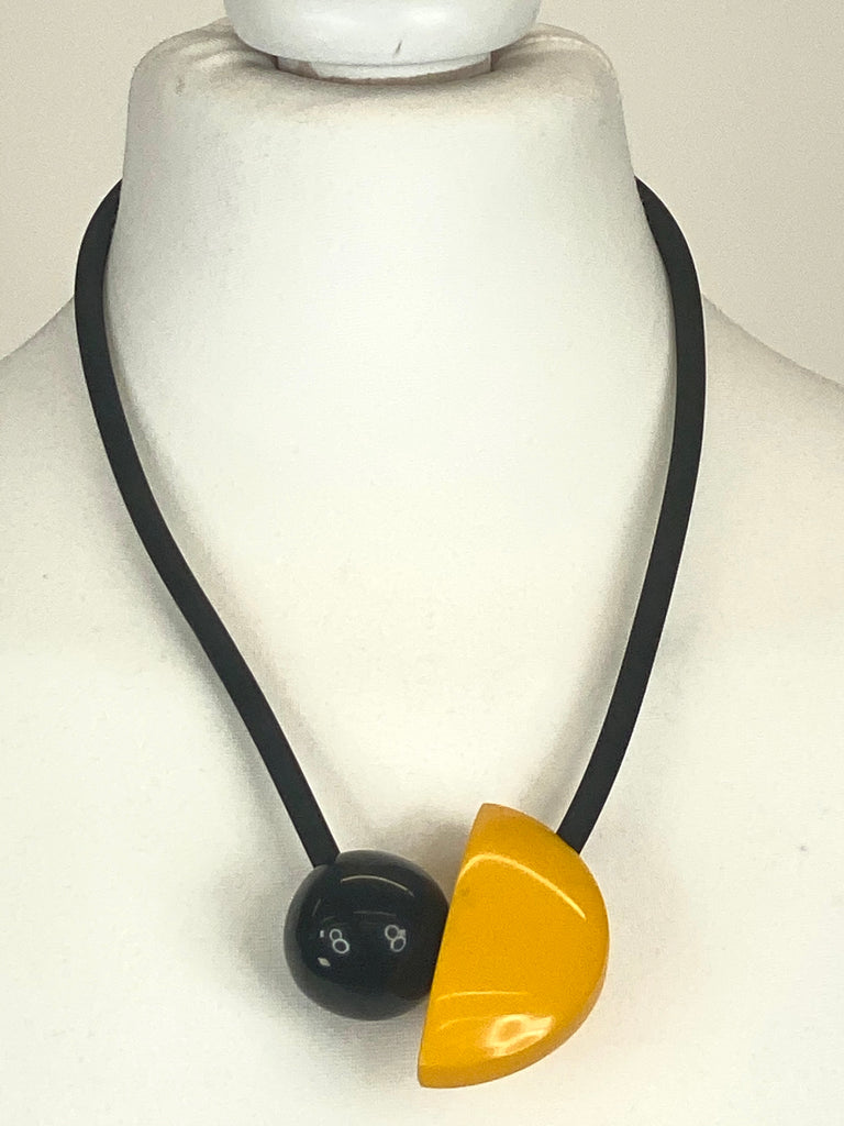 Lagenlook Yellow & Black Gloss Disc Necklace code RJC0368Y